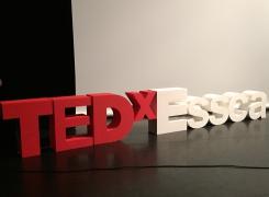 Conférence TEDxESSCA «Le lien entre le cheval et l'humain»